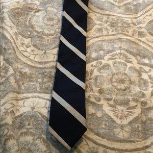 Jcrew. Navy blue skinny tie. Silver stripes